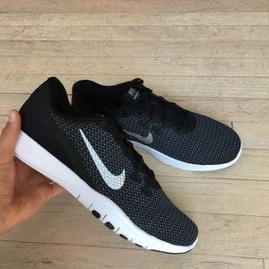 Nike | Flex Trainer 7 Black Silver Running Sneaker